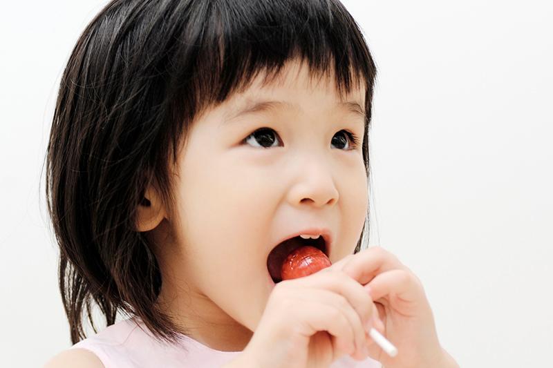 お子さんの頃から、両側の歯を使う習慣を